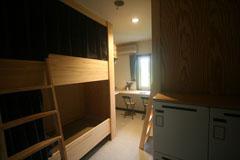 畳敷き遮光カーテン2段ベット