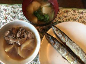 ダブル秋刀魚にぶり大根にカブの味噌汁