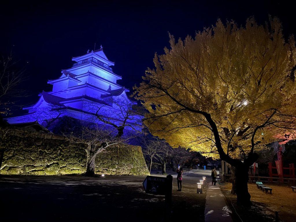 鶴ヶ城と紅葉ライトアップ