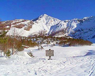 冬の磐梯山」火口の様子