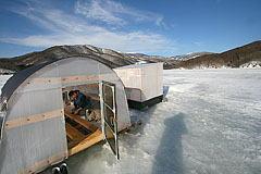 結氷した小野川湖の様子