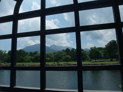 諸橋近代美術館からきれいに磐梯山が見えます