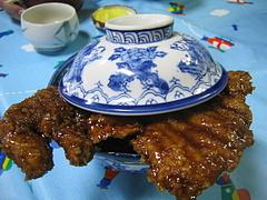 会津若松・白孔雀食堂のソースかつ丼