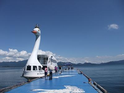 猪苗代湖の遊覧船「白鳥丸」