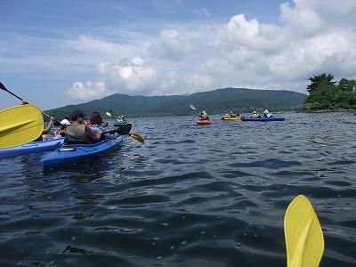 桧原湖でカヌー体験