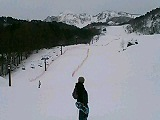 スノーシュートレッキング終了、裏磐梯スキー場を見上げる