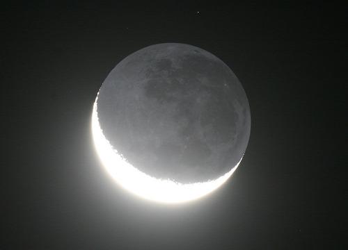 月(地球照)
