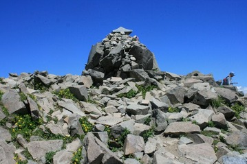ミヤマキンバイが綺麗な磐梯山山頂
