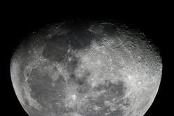 つき下弦の月 カレワラ天文台